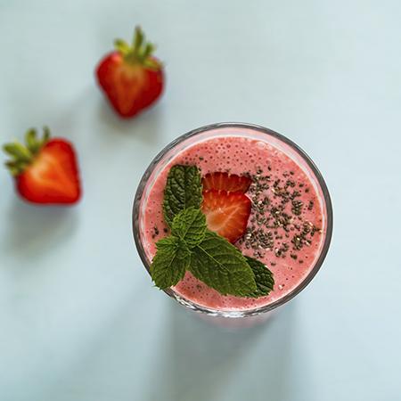 Erdbeer-Minz-Sommer-Smoothie